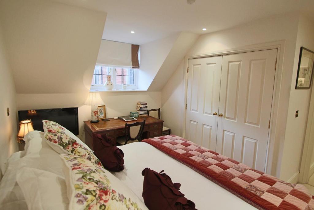 Bedroom Shot 3.JPG