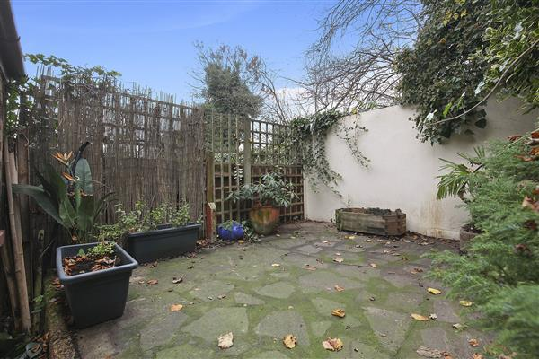 2 Bedroom Terraced House To Rent In Riverdale Road Plumstead Se18