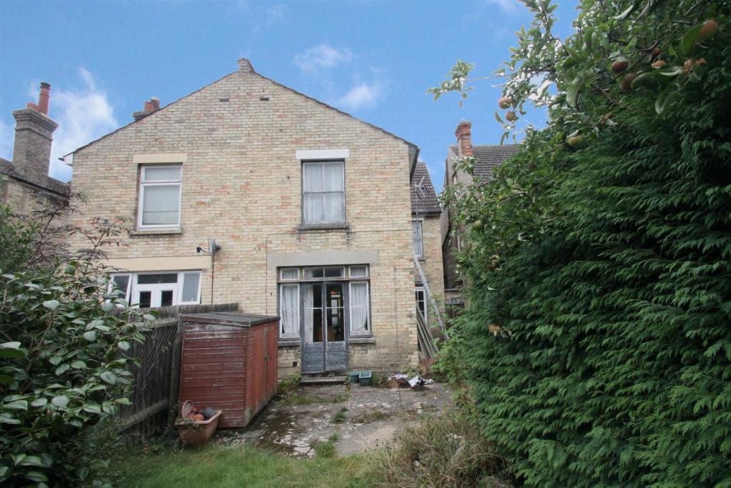 Hastings Road Back -