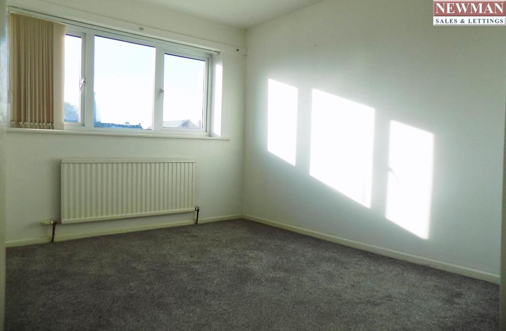Bed 2 1.jpg