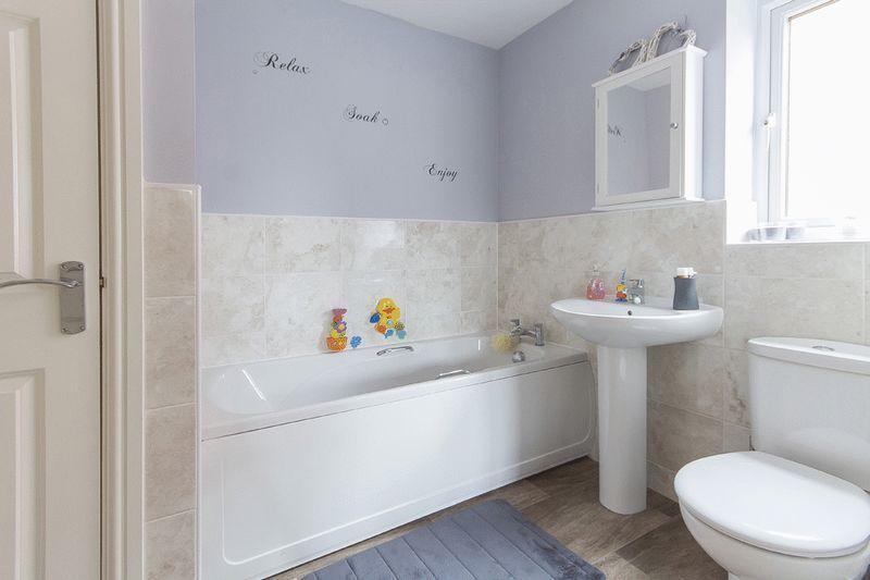 Bathroom/Jack ...