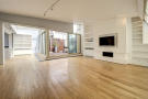 3 bedroom Flat for sale in Macklin Street...