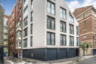 Flat for sale in Bedford Court...