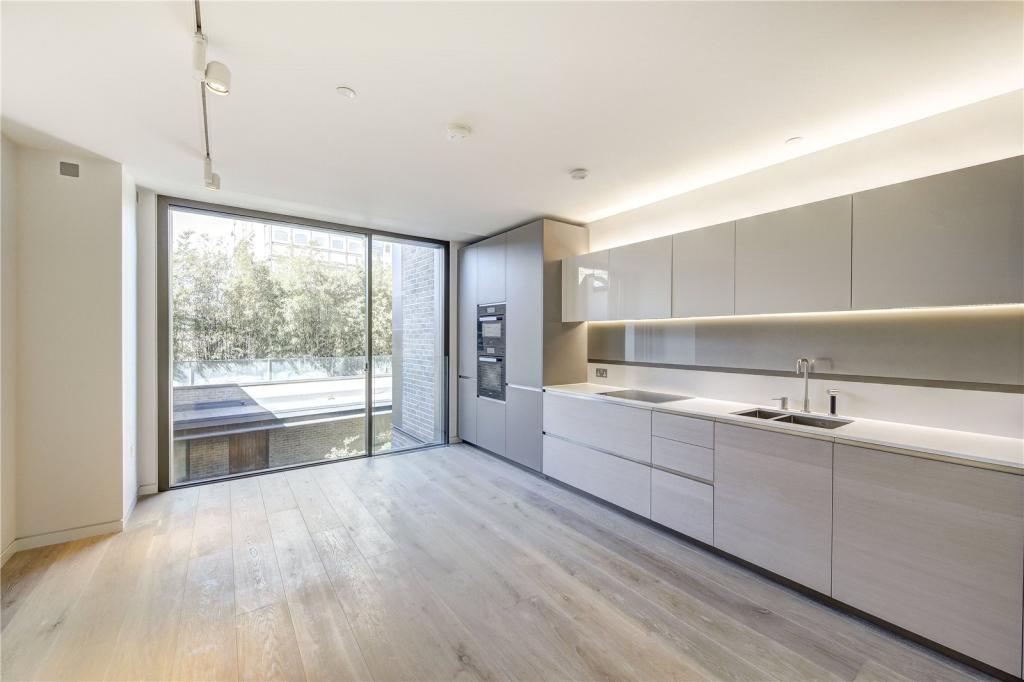 Studio apartment for sale in pathe building soho w1f w1f for Apartments for sale in soho