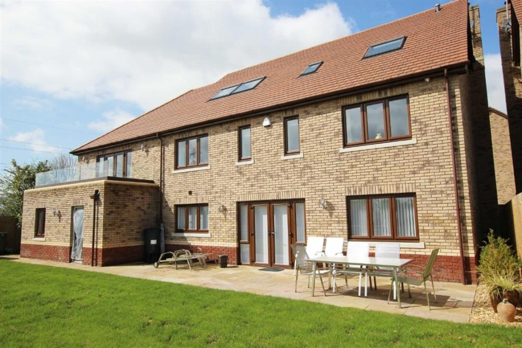 Right Move Property For Sale St Mellons