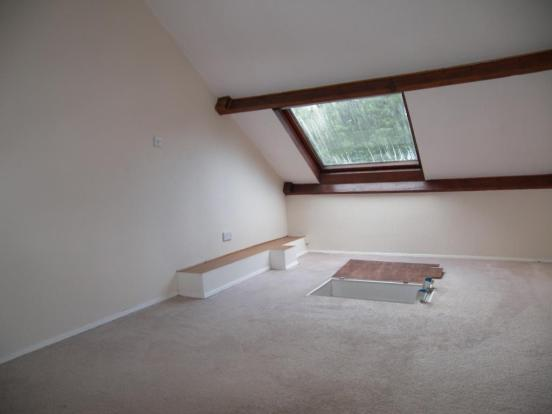 FLOORED ROOF SPACE