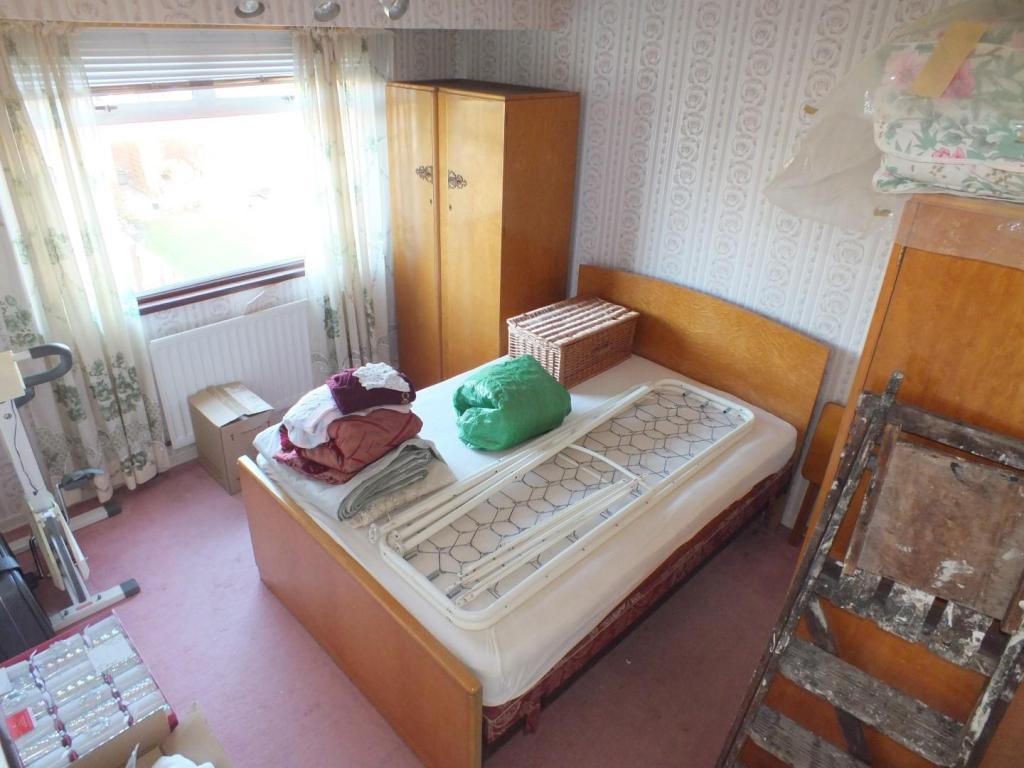 bed 2 (rear)