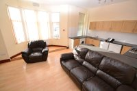 Flat to rent in North Road, Cardiff,