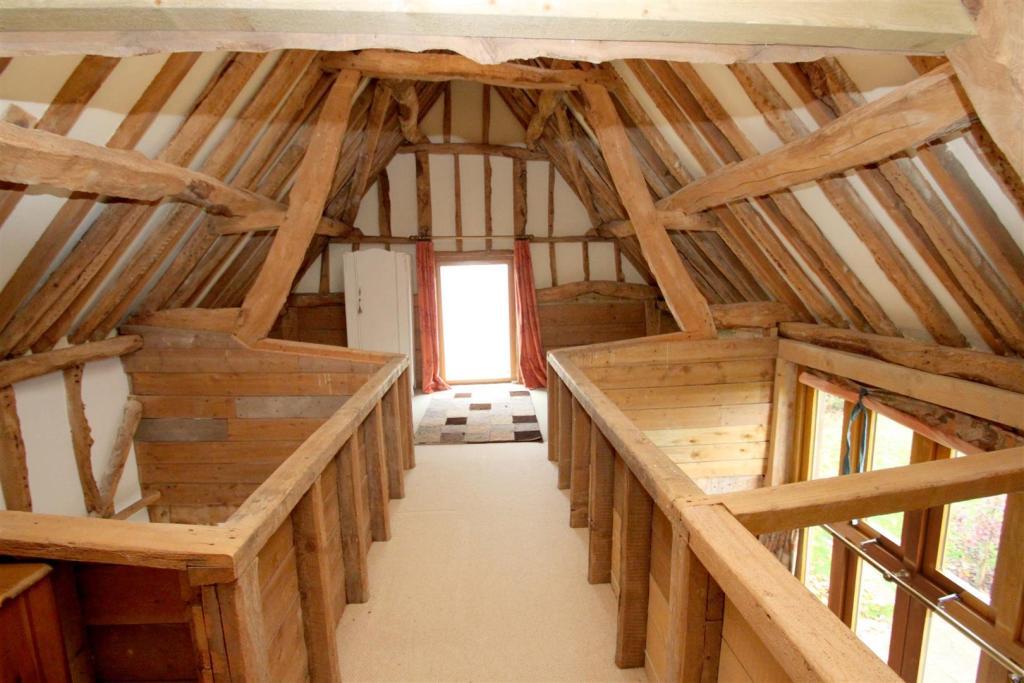 Loft room.jpg