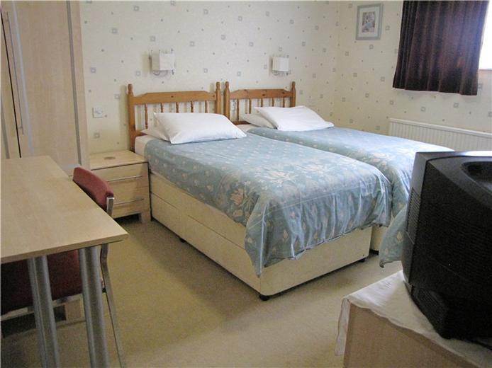 8 bedroom guest house for sale in cam guest house 17