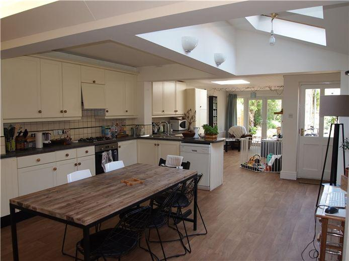 3 bedroom semi detached house for sale in victoria park for Kitchen ideas 3 bed semi
