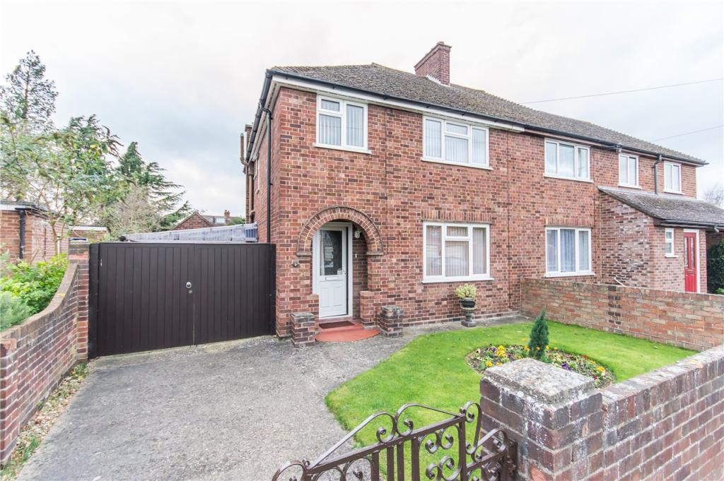 3 bedroom semi detached house for sale in gray road cambridge cb1 for 3 bedroom house for sale in cambridge