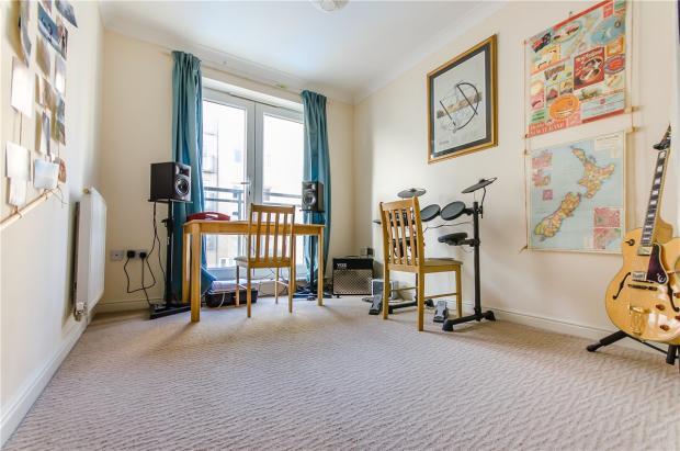 2 Bedroom Apartment For Sale In Hampden Gardens Cambridge Cb1