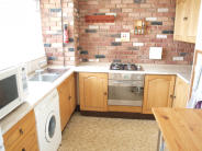 Maisonette to rent in Key Close, Whitechapel...