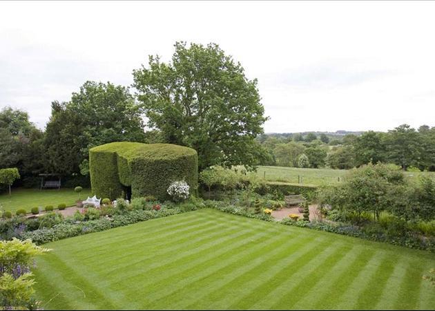 South Lawn & View