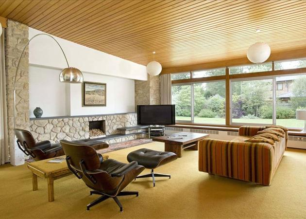 4 bedroom bungalow for sale in squirrel walk little aston for 60s architecture homes