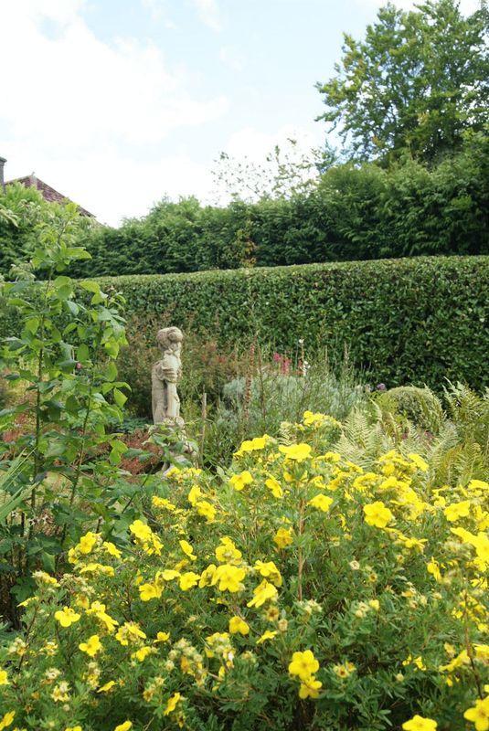 Front garden f...