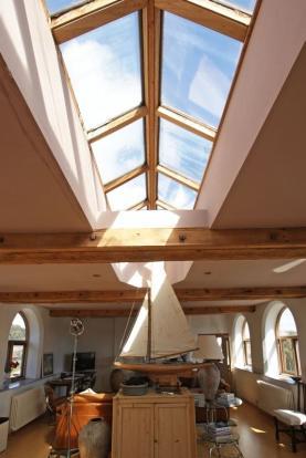 Roof light fea...