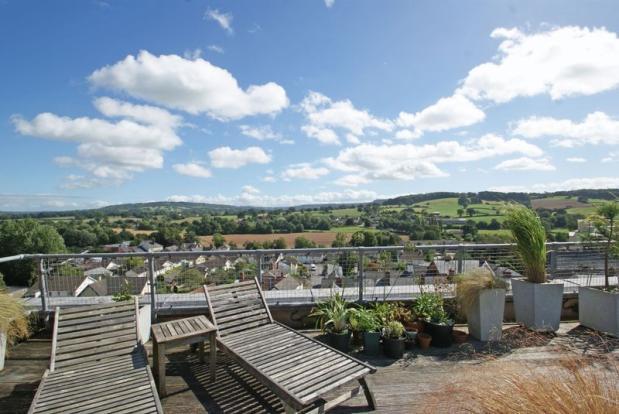 Roof terrace v...