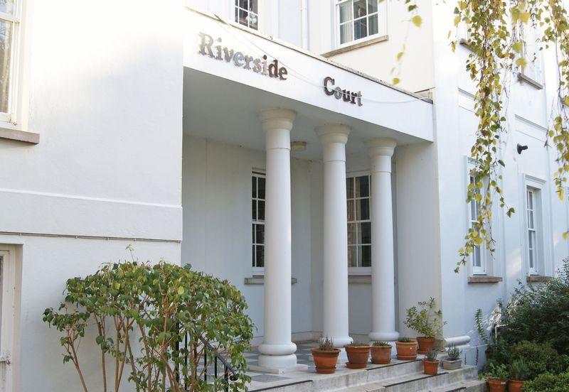 Riverside Cour...