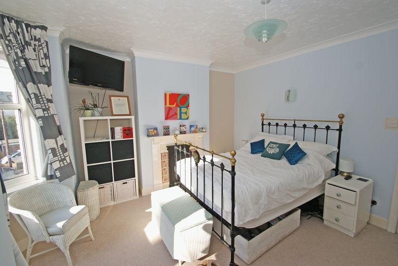 3 bedroom terraced house for sale in beautiful 3 bedroom - Average cost to move a 3 bedroom house ...