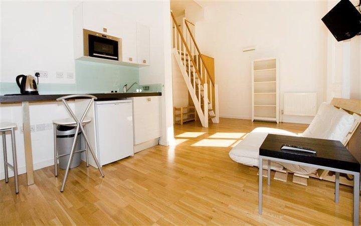 Studio flat to rent in inverness terrace bayswater w2 for 73 studios inverness terrace