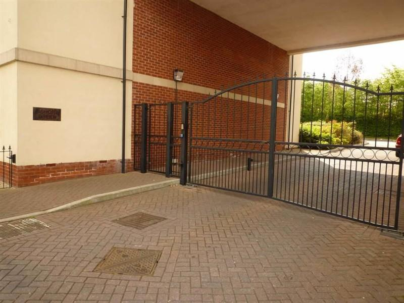 SECURITY GATE & PARKING
