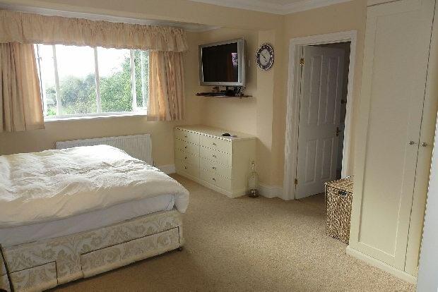 Master Bedroom (en-s