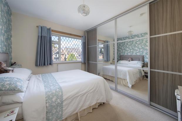 Queens39-Bed-01A.jpg