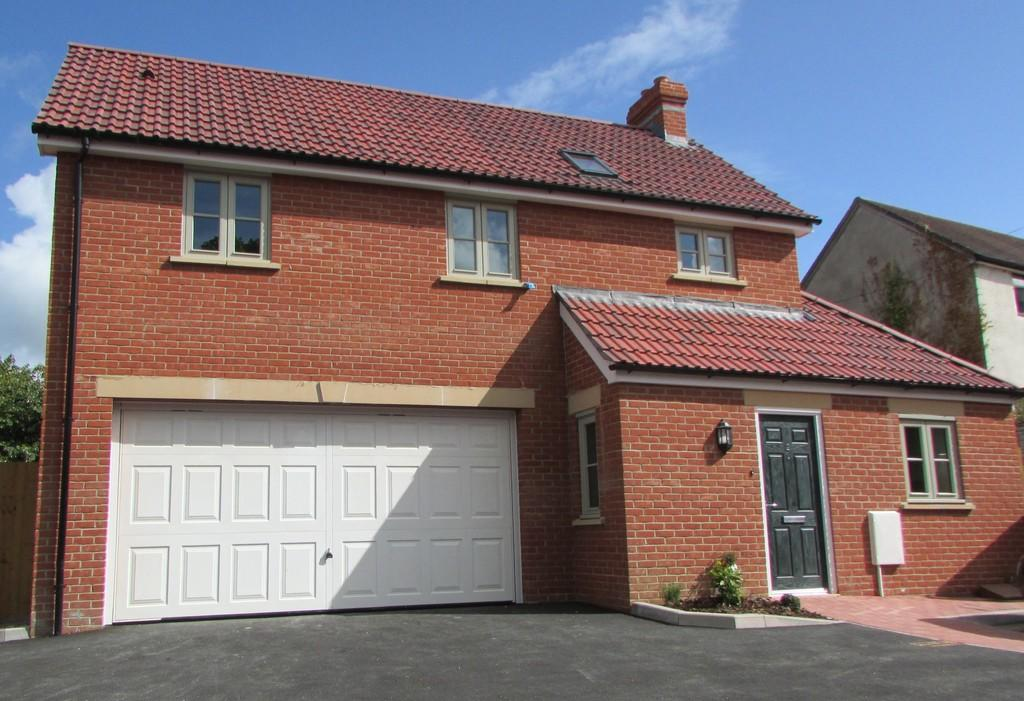 3 bedroom detached house for sale in chalice park