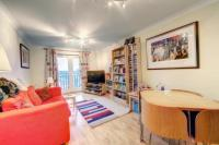 Apartment to rent in Connaught Mews, Jesmond...