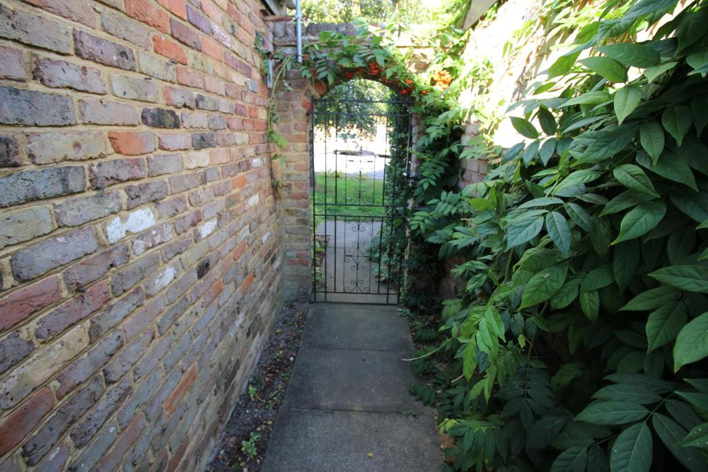 Side gated access