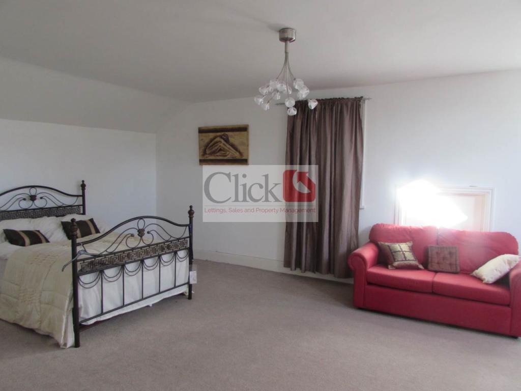 Top floor bedroom ri