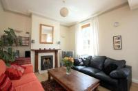 3 bedroom Flat to rent in Kennington Palace Court...