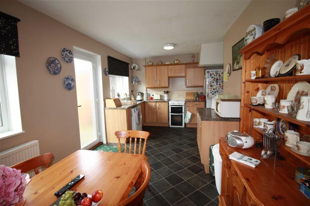 Dining Kitchen (Rear
