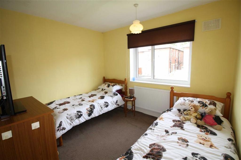 Double Bedroom 2 (Re