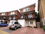 4 bedroom Detached property for sale in Fullerian Crescent...
