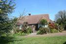 2 bed Detached Bungalow in Wootton Bridge...
