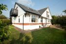 4 bedroom Detached home in Gurnard, PO31 8JE