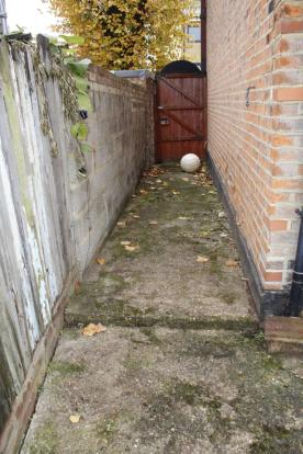 Side Alley/Access
