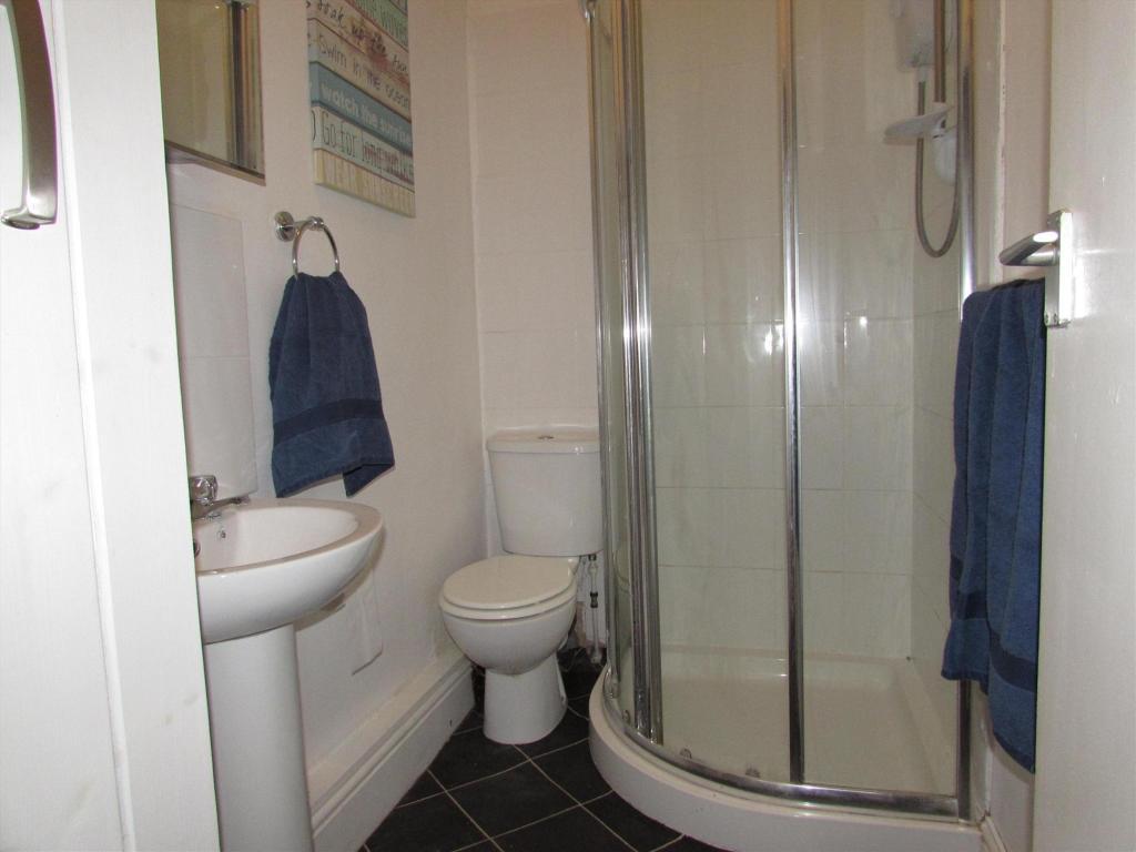 Flat 3 Shower Room