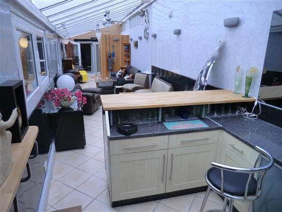 Conservatory/Bar/Sauna