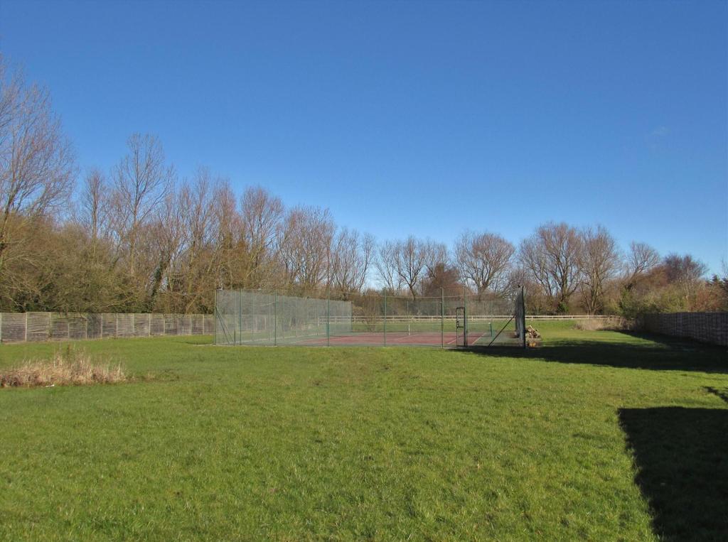 Land & Tennis Courts