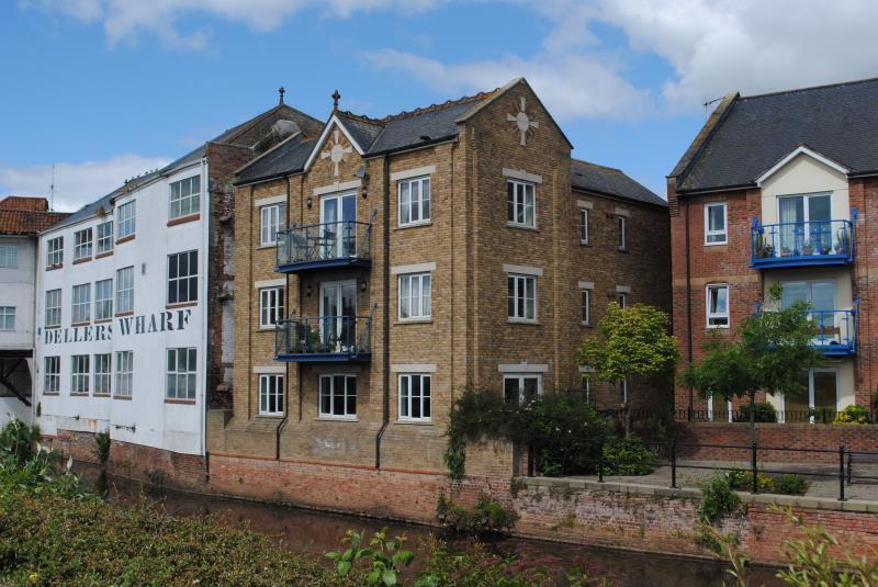 2 Bedroom Apartment For Sale In Hammets Wharf Bridge Street Taunton Somerset Ta1 Ta1