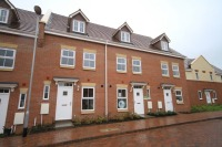 3 bedroom Terraced house to rent in Highlander Drive...