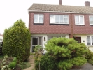 3 bed semi detached home to rent in Edwin Close, Rainham...