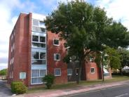 2 bedroom Flat in Northcourt Road...