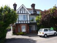 Flat to rent in Broadwater Road...