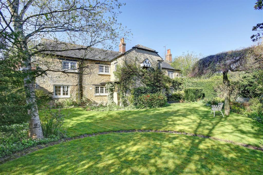 Barn End House 16482