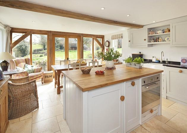 3 bedroom house for sale in cleveley chipping norton for Kitchens chipping norton